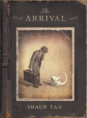 The arrival | TheBookSeekers